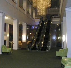 Lobby of the Radisson Riverside Hotel